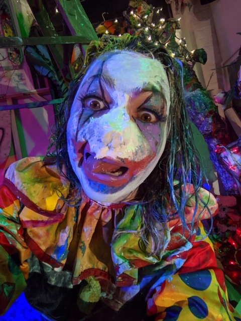 Art Show Review – 'The Living Installation: Female Joker' Performance (At Michael Alan's Bushwick Studio, New York, USA – November 23rd 2019.)